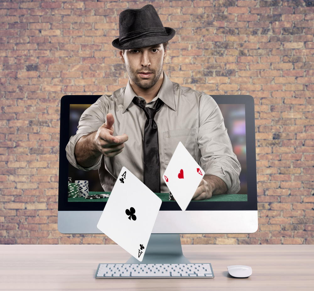 How are live poker games different from online ones?