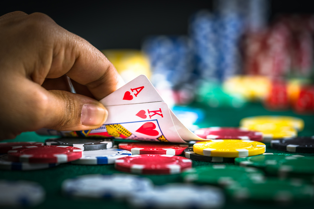 Knowing When to Hold'em and When to Fold'em in Your Poker Game